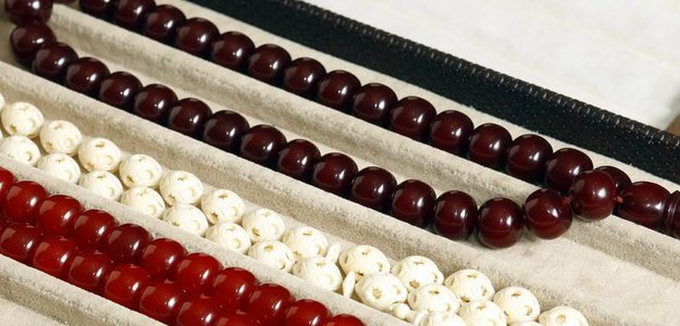 Islamic Jewelry - The Advantages Of Using Muslim Prayer Beads And Tassels