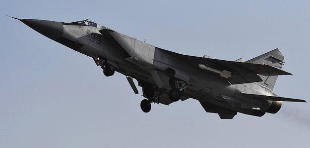 МиГ-31 развернул норвежский патрульный самолет от границ РФ