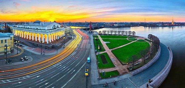 В Петербурге катастрофически не хватает мест в школах, но губернатор не спешит решать проблему
