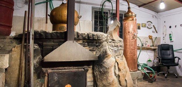 Ципуро (Tsipouro) – греческая виноградная водка.