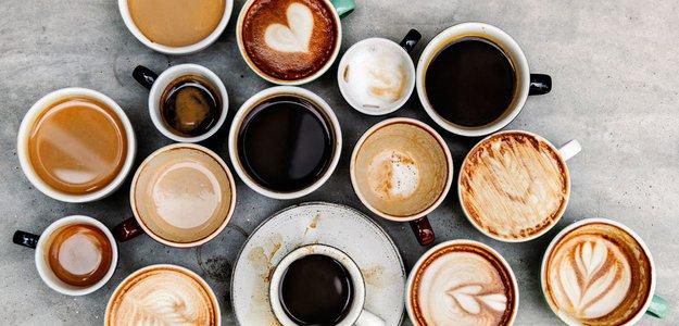 Почему кофеин бодрит, как влияет на мозг и сон