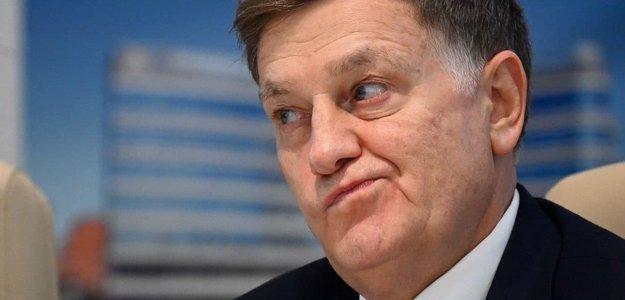 Спикер ЗакСа Макаров притворяется, что действует в интересах граждан